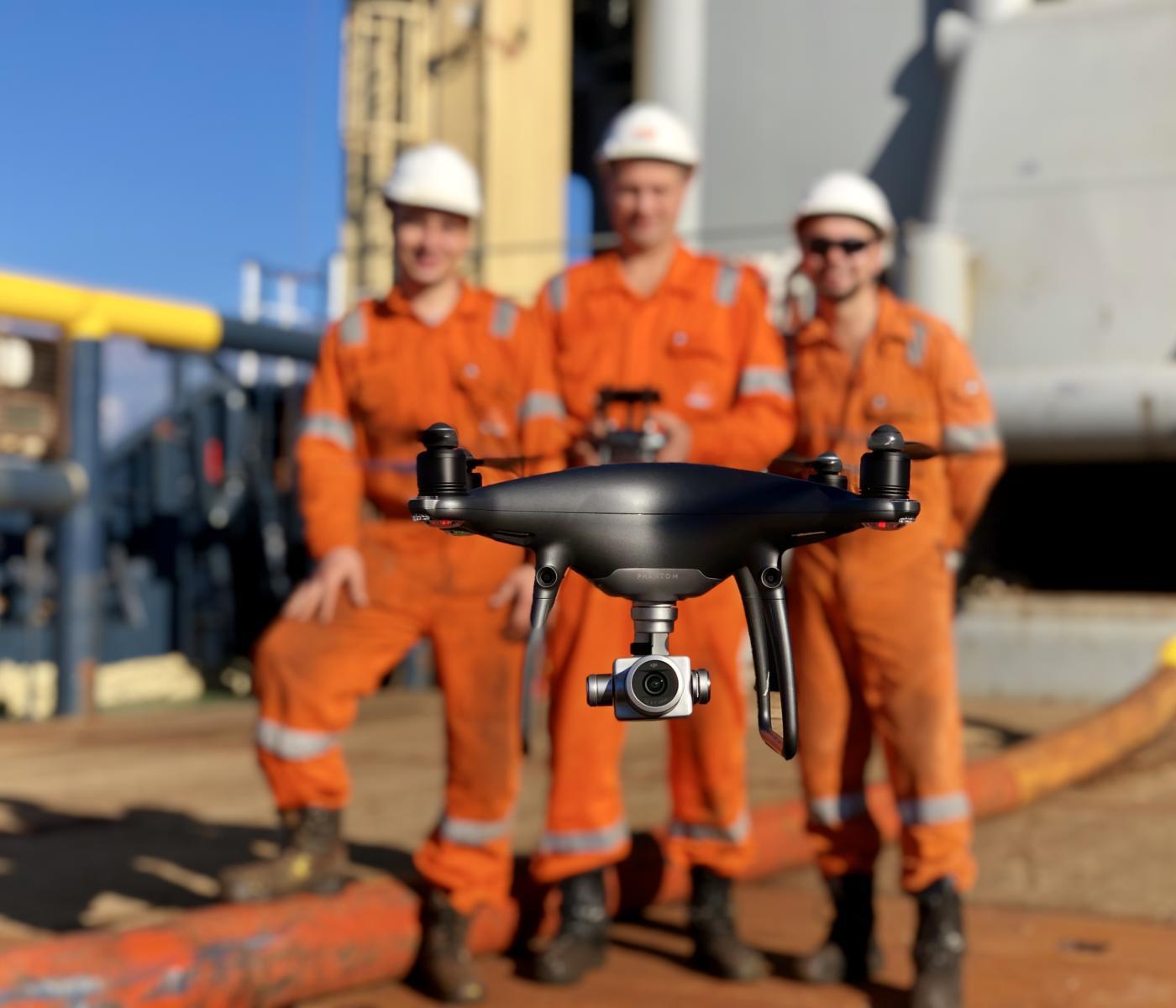Drone_ALP_monitoring_crew_man_centre.jpg