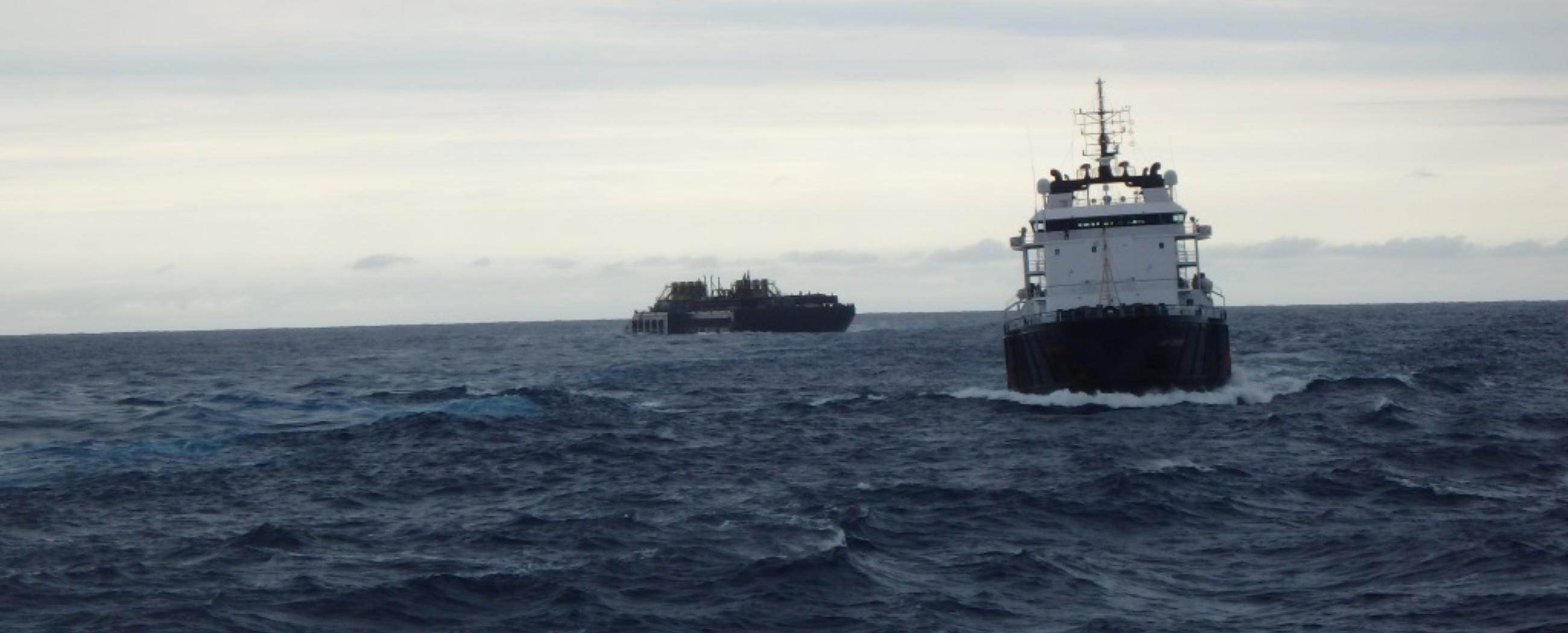 ALP-Centre-towage-of-McDermott-barge-Intermac-650-5.JPG