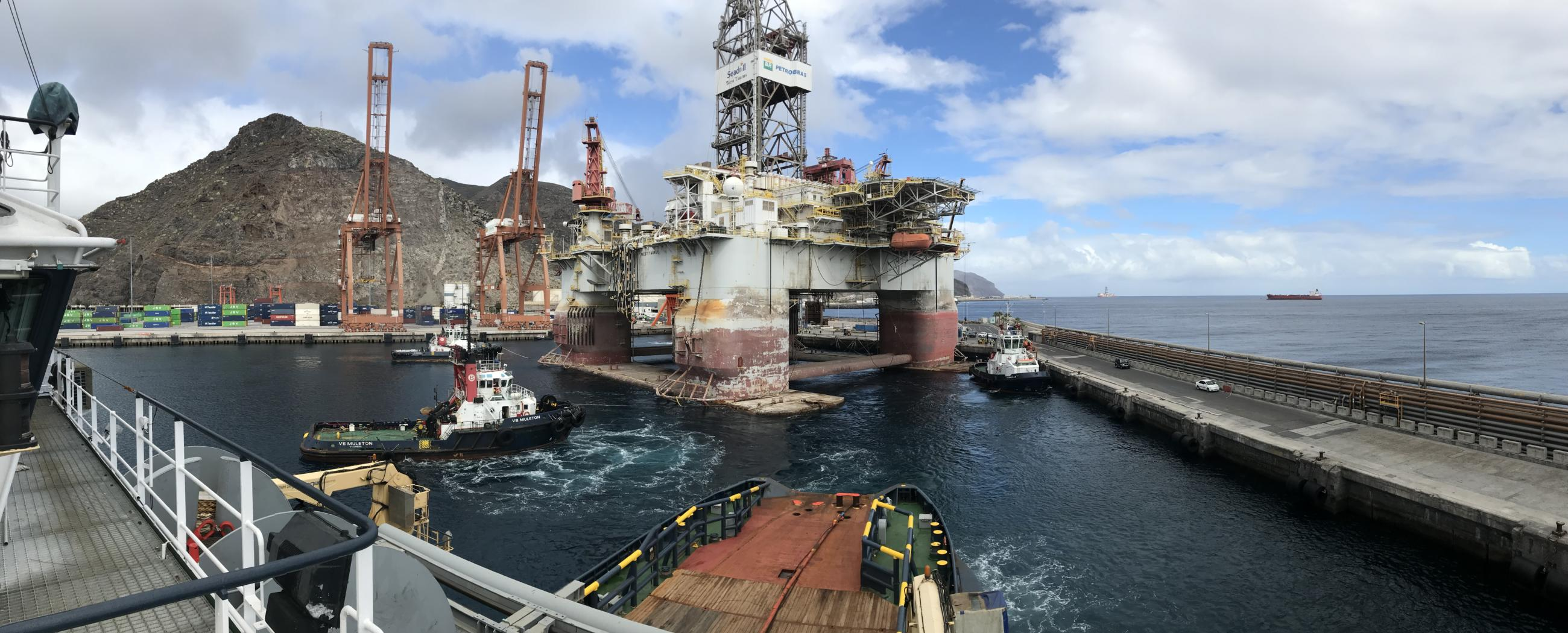 ALP-Centre-West-Taurus-Seadrill-rigmove-ssdr-Canary-Islands.JPG