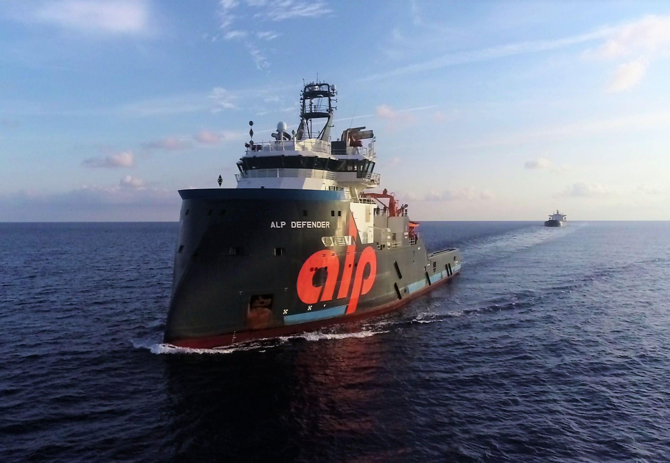 ALP Defender Achilles 2 towage 2