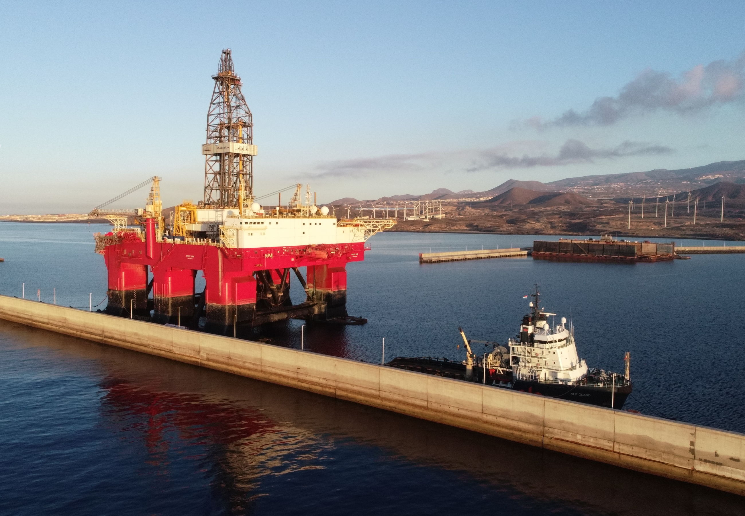 ALP Guard towing West Leo Tenerife June2019 5
