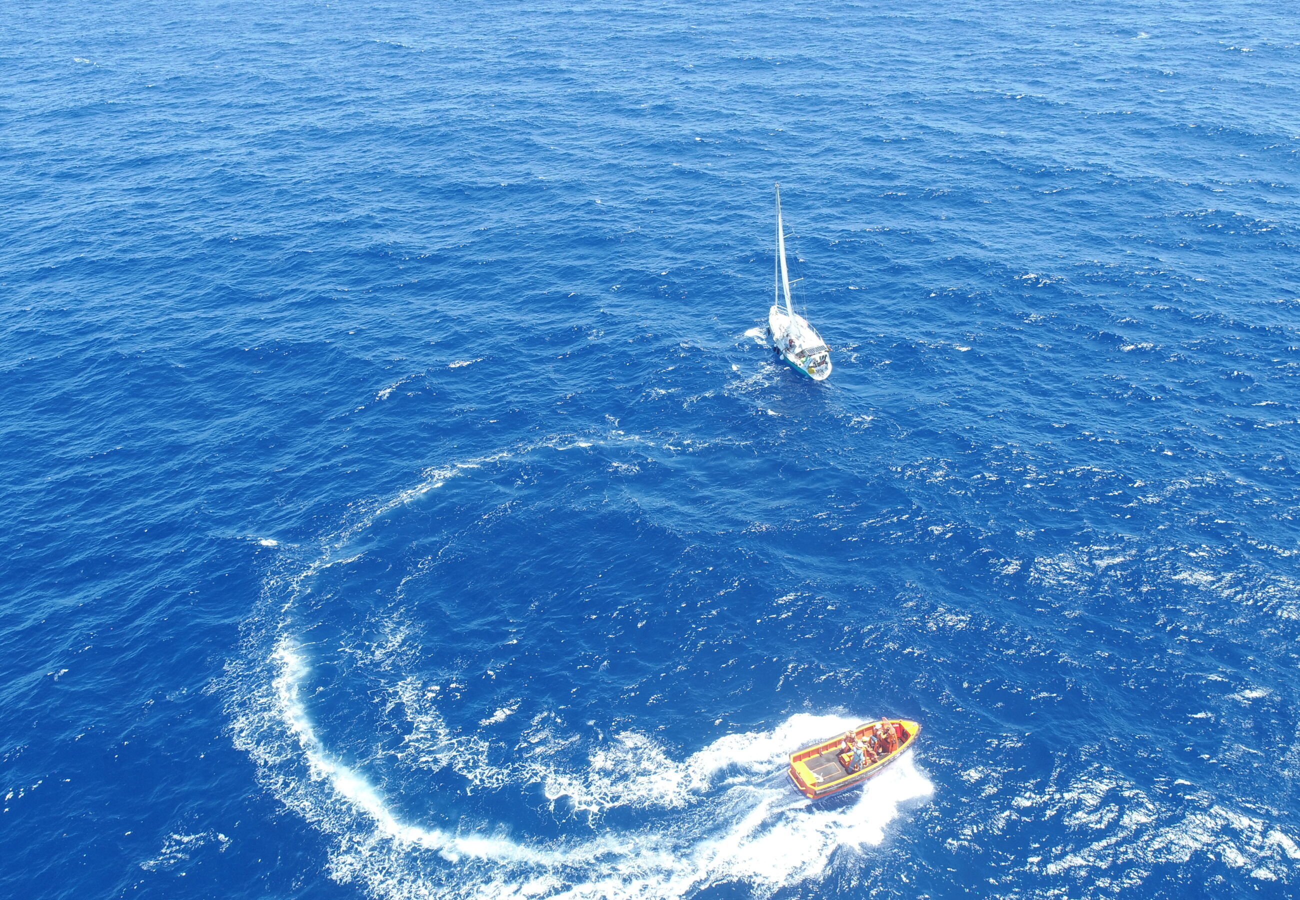 ALP Sweeper assists crew of yacht Jacotte 2