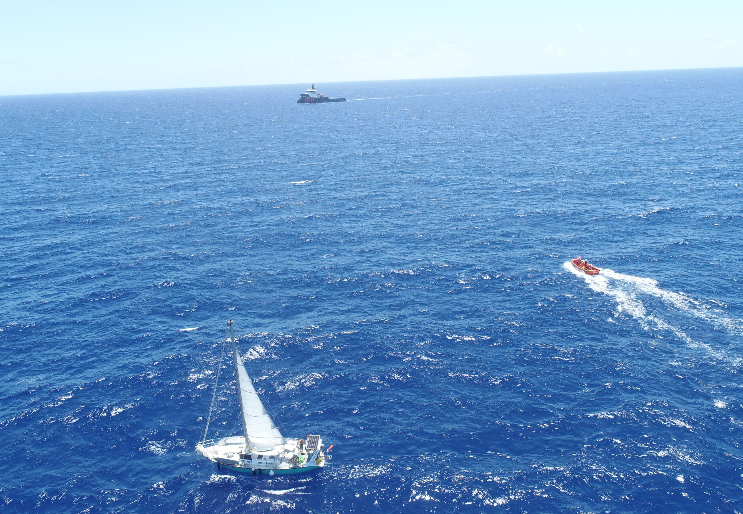 ALP Sweeper assists crew of yacht Jacotte 3